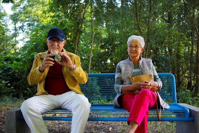 grands parents heureux