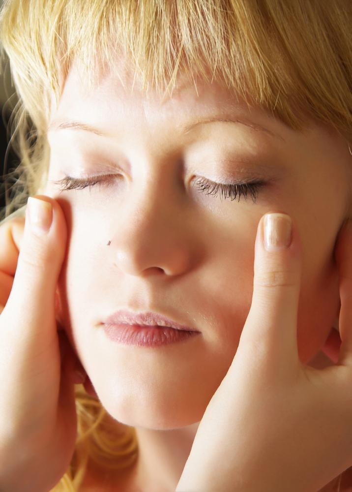 massage des yeux
