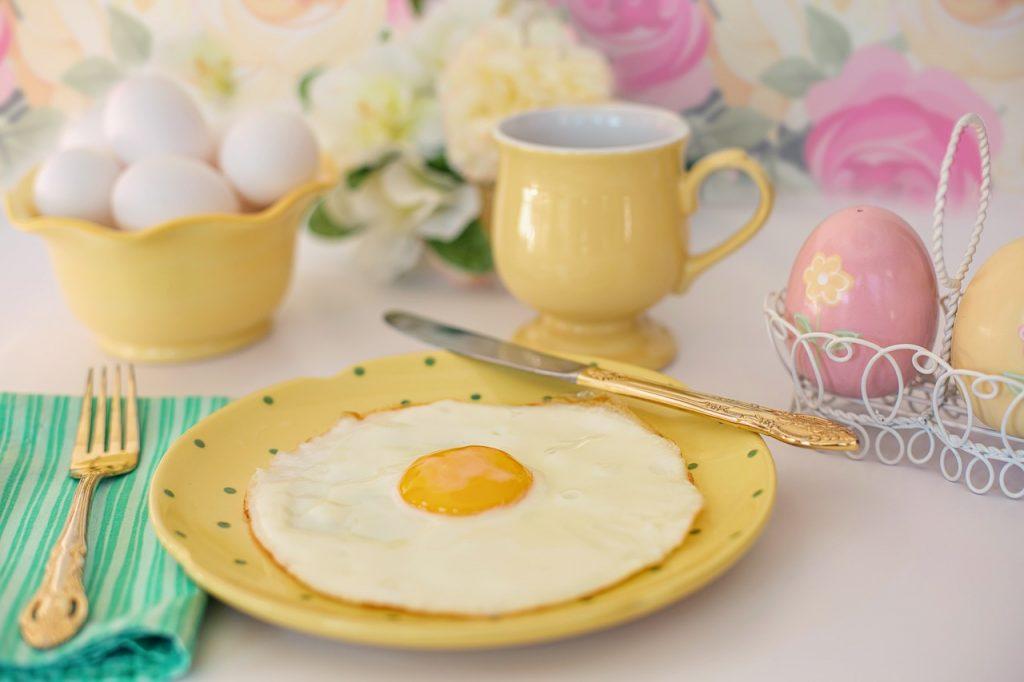 œufs au petit déjeuner