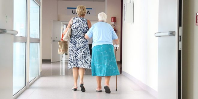 Les maladies dues au vieillissement, causes de la dépendance des personnes âgées