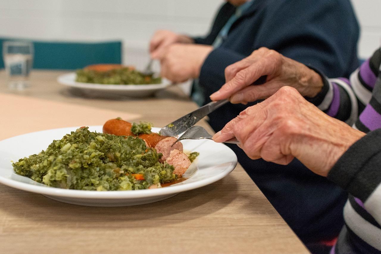 dénutrition des personnes âgées