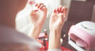 pose des faux ongles
