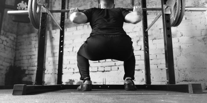 Le squat – un exercice complet pour muscler les cuisses et les fessiers