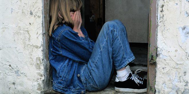 5 blessures émotionnelles d'enfance qui peuvent persister à l'âge adulte