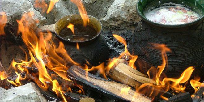 La cuisson au feu de bois – avantages et impacts sur la santé