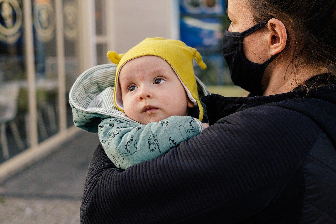 accessoire utiliser pour porter son bébé
